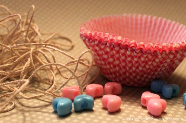 Cupcake liner garland {onekriegerchick.wordpress.com}