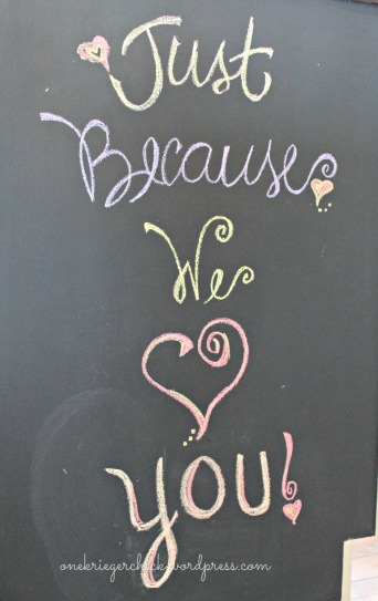 Easy chalkboard {onekriegerchick.wordpress.com}