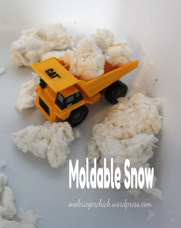 Moldable snow {onekriegerchick.wordpress.com}