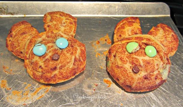Bunny cinnamon rolls {Onekriegerchick.com}