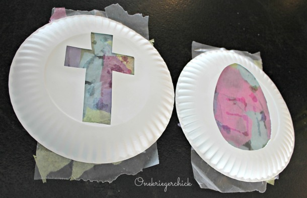 egg and cross tissue stained glass {Onekriegerchick.com}