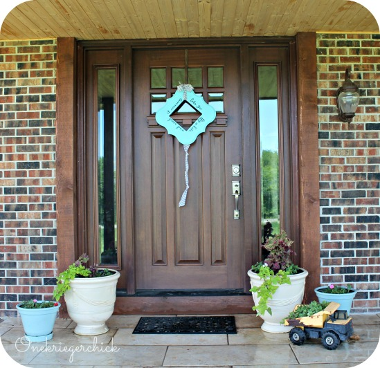 Front Porch with Poppy Seed Kite {Onekriegerchick.com}