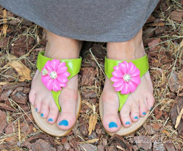 teal toenails {Onekriegerchick.com}